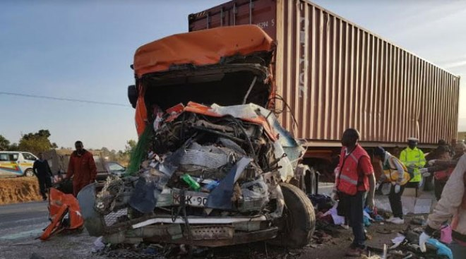 At least 30 dead in Kenya horror crash